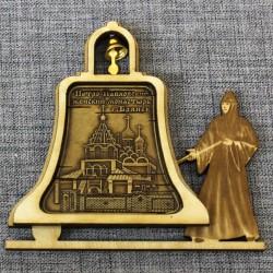 """Магнит из бересты монашка с колоколом""""Петро-Павловский женский монастырь"""