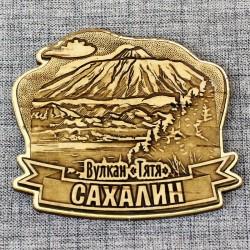 """Магнит из бересты резной с золотом """"Вулкан """"Тятя"""" Сахалин"""