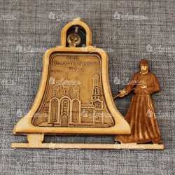"""Магнит из бересты монах с колоколом """"Собор Рождества Христова"""""""