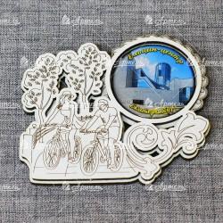 """Магнит грав белый со смолой велосипедисты """"Ельцин-центр"""" Екатеринбург"""