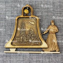 """Магнит из бересты монах с колоколом """"Калужская Свято-Тихонова Пусты"""
