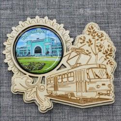"""Магнит грав со смолой трамвай """"Вокзал"""" Новосибирск"""